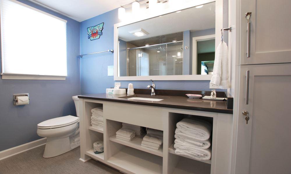 Cedar Guest House Bathroom